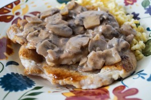 Schweinefilet in Champignon-Sahne-Soße (Pork in Mushroom Cream Sauce)