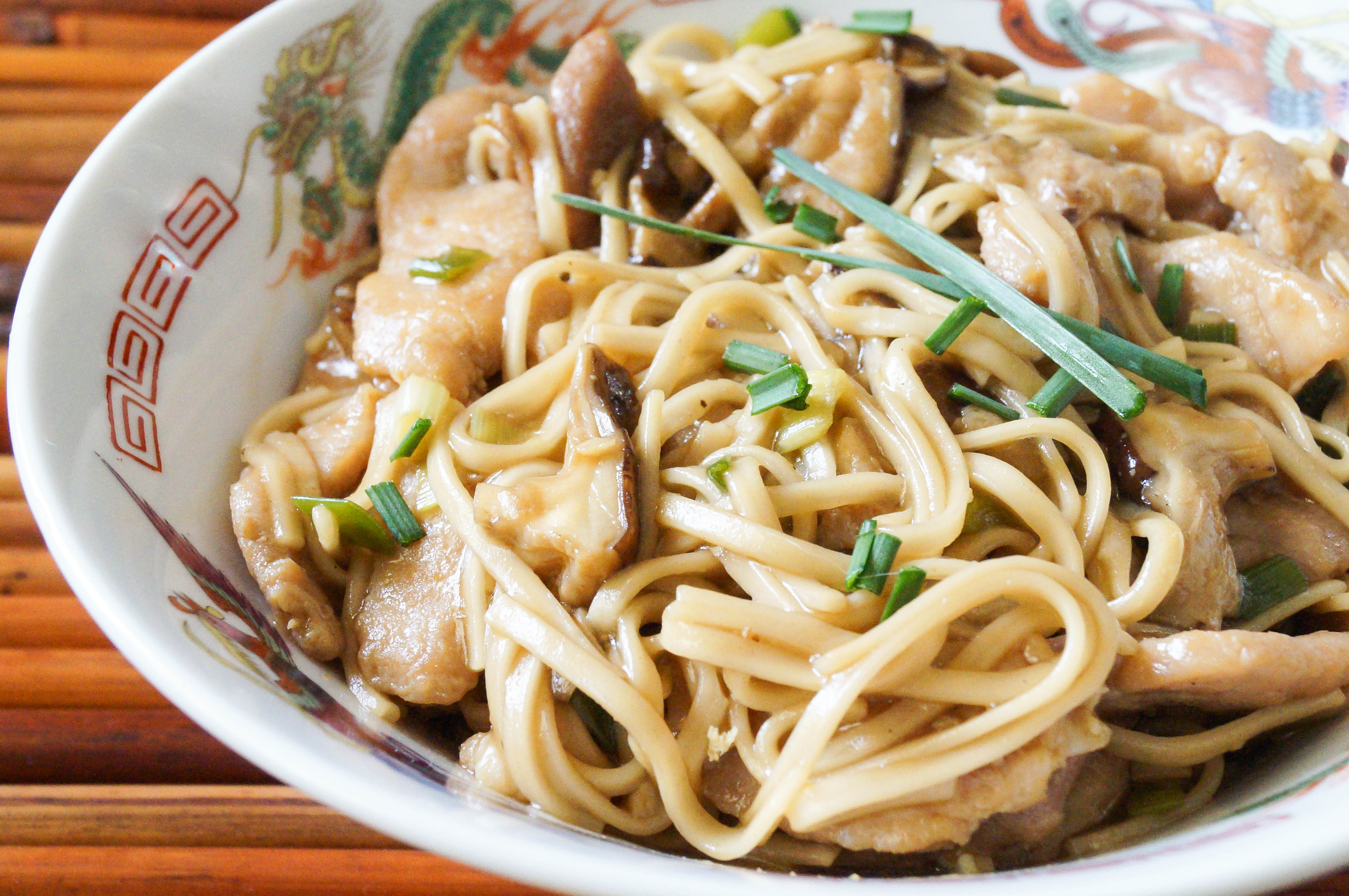 Garlic Pork Lo Mein