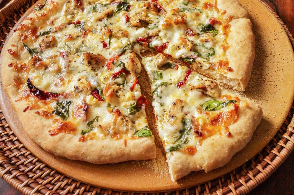 herbed chicken mediterranean pizza (6 of 6)