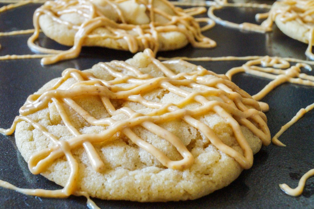White Chocolate Cookies with Peanut Butter Drizzle (3 of 3)