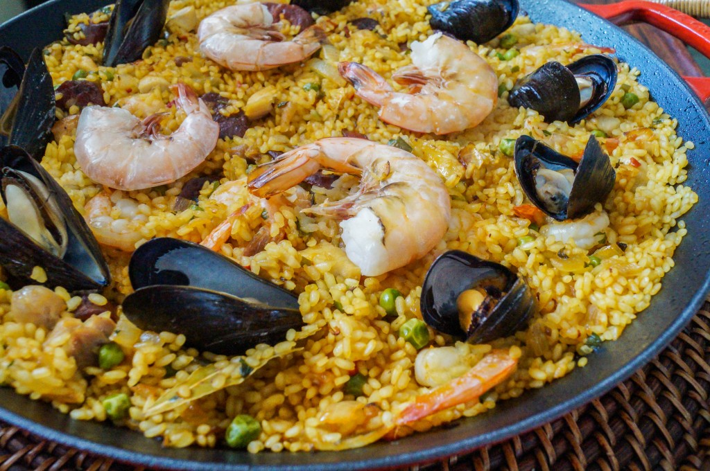 Frying Pan Paella Mixta (Paella With Seafood And Meat) Recipe ...