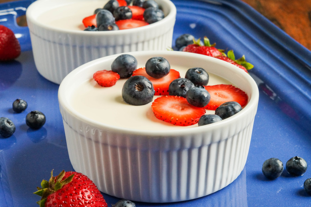 Panna Cotta with Berries (1 of 3)