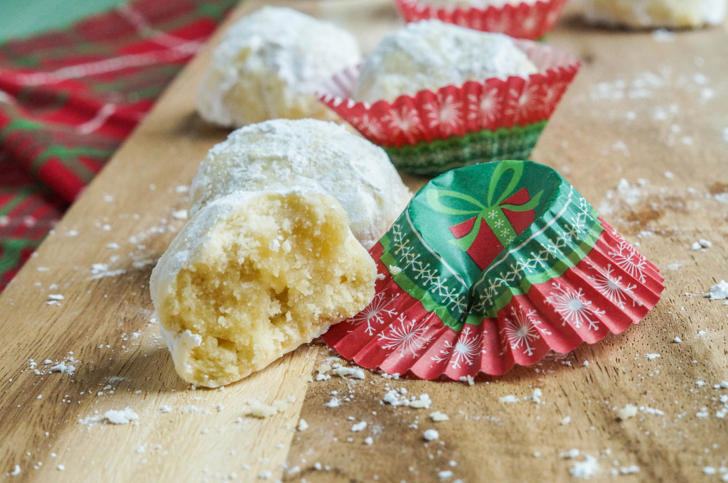 Kourambiethes (Greek Shortbread Cookies) (2 of 3)