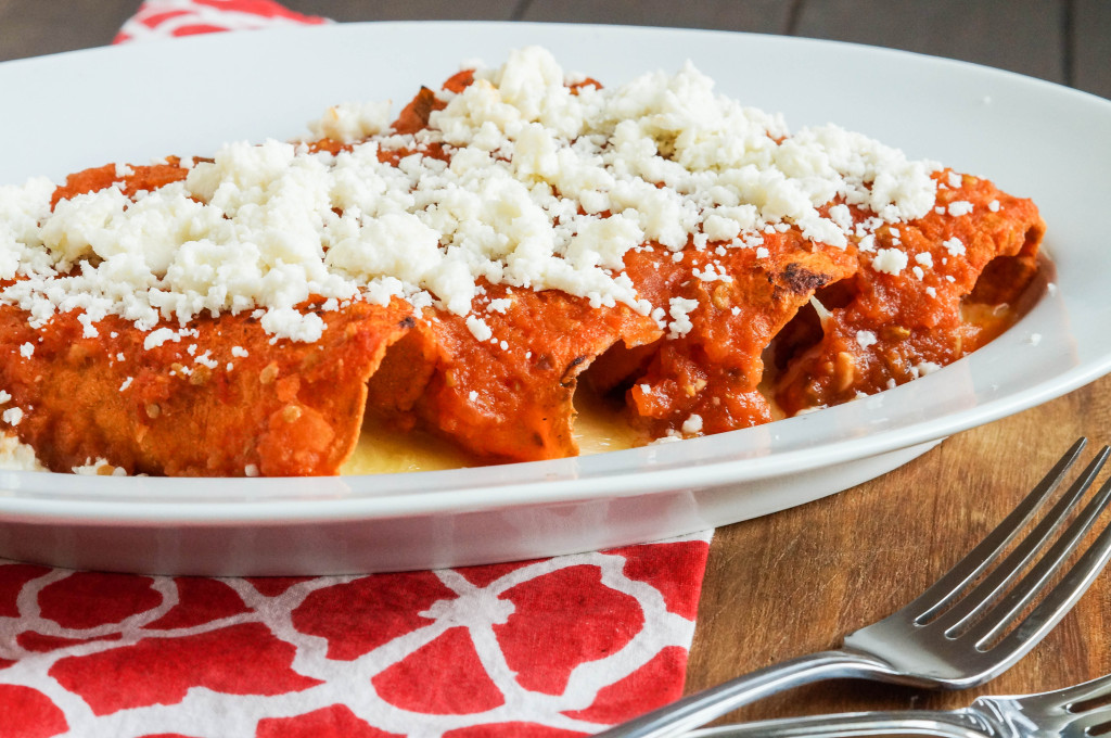 Enchiladas Rojas de Queso (Red Enchiladas with Cheese) (10 of 11)