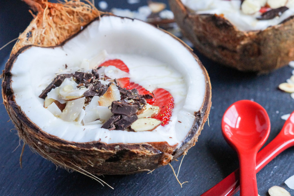 Coconut Smoothie Bowl (3 of 3)