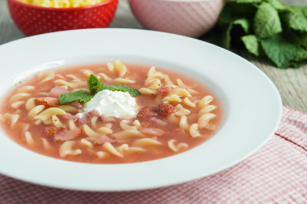 Zupa Truskawkowa (Polish Strawberry Soup) (2 of 3)