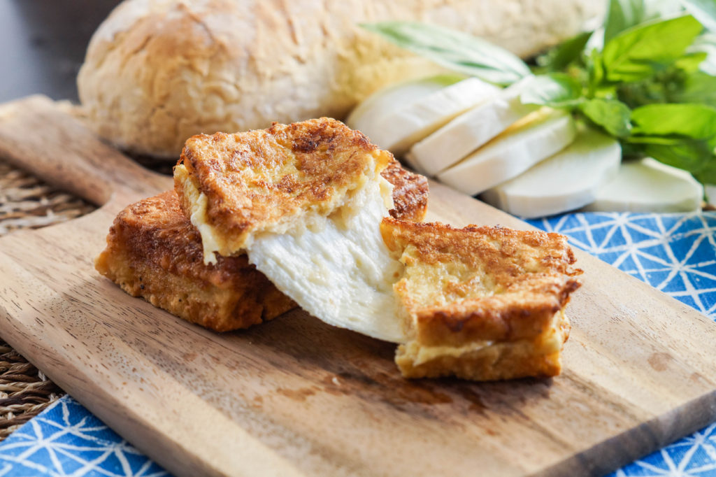 Mozzarella in Carrozza (Neapolitan Fried Mozzarella Sandwiches) (7 of 7)