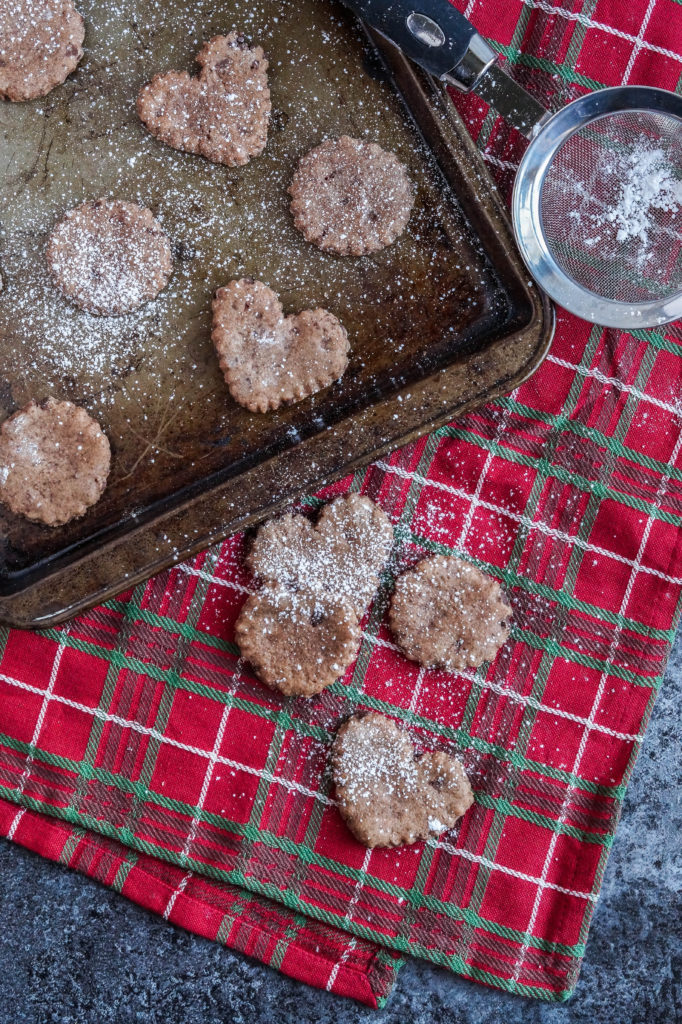 basler-brunsli-swiss-chocolate-almond-cookies-1-of-3