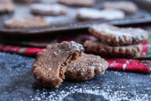 #IntnlCookies: Basler Brunsli (Swiss Chocolate Almond Cookies)