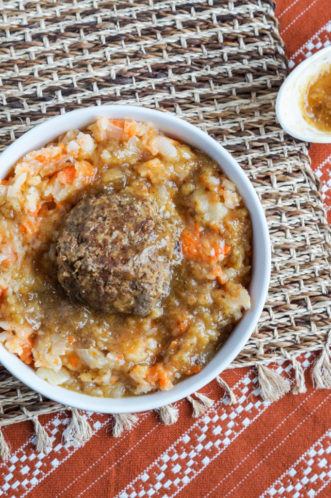 hutspot-met-gehaktballen-dutch-mashed-potatoes-and-carrots-with-meatballs-2-of-3