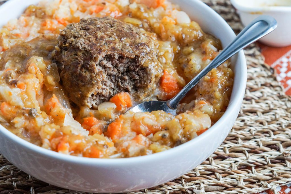 hutspot-met-gehaktballen-dutch-mashed-potatoes-and-carrots-with-meatballs-3-of-3