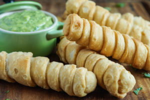 Tequeños con Salsa Guasacaca (Venezuelan Cheese Sticks with Green Sauce)