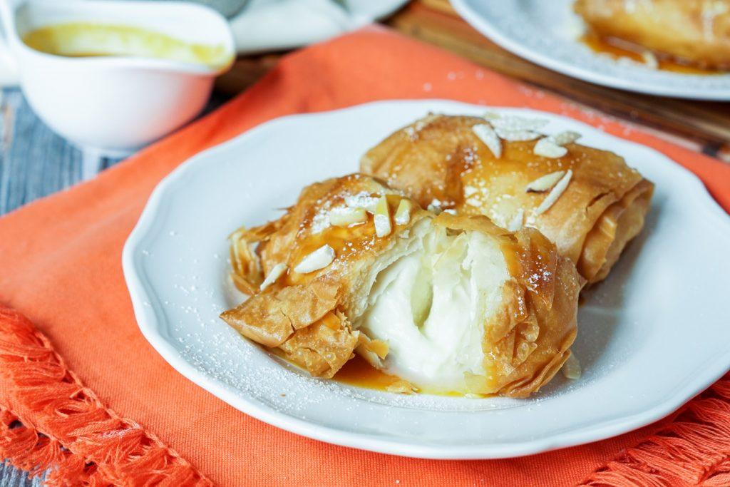 Saquitos de Queso- Fresh mozzarella covered with crisp filo