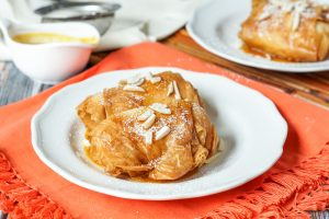 Saquitos de Queso con Miel y Naranja (Cheese Parcels in Honey and Orange Reduction)
